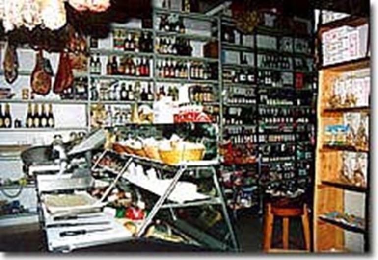 Typische Produkte Supermercato Pettorelli Fiumalbo